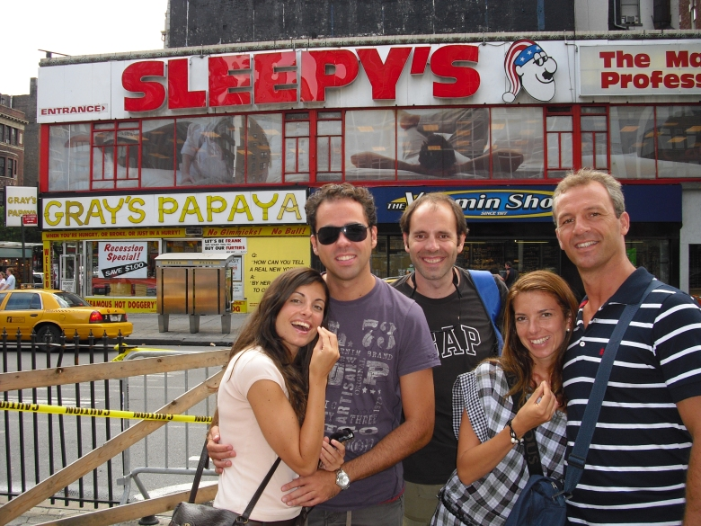 grey's papaya en new york city